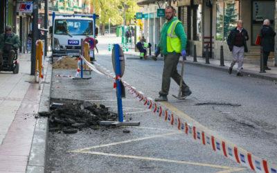Reparaciones de calzada en Glorieta calle Gutemberg con Calle Eratóstenes